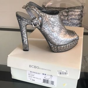 BCBG BG-Paisley studded open toe clogs!